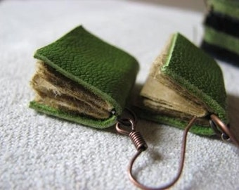 Mini book earrings - green leather