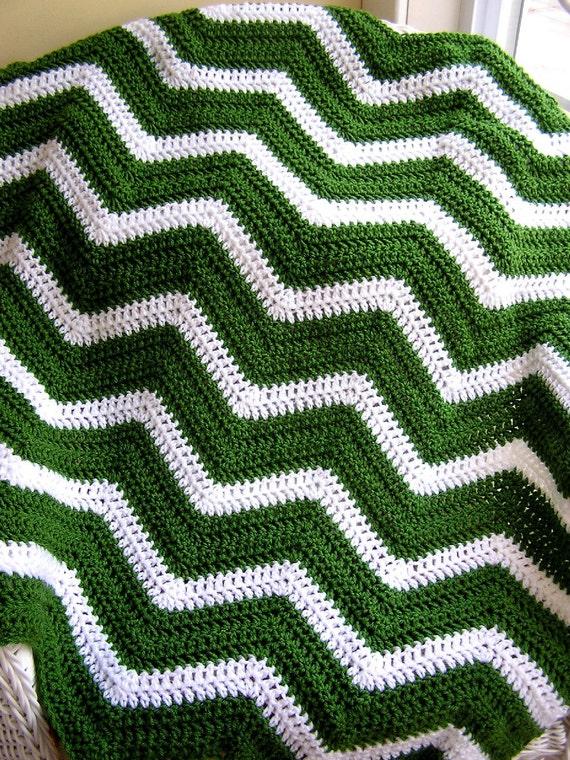 Crochet knit lap ripple stripes vanna yarn irish christmas green white