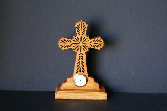 Wooden Cross Ornate Fretwork Desk Clock Scroll Saw Cut