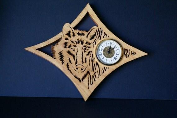 Gray  Grey Wolf Wood Wall Fretwork Clock Scroll Saw