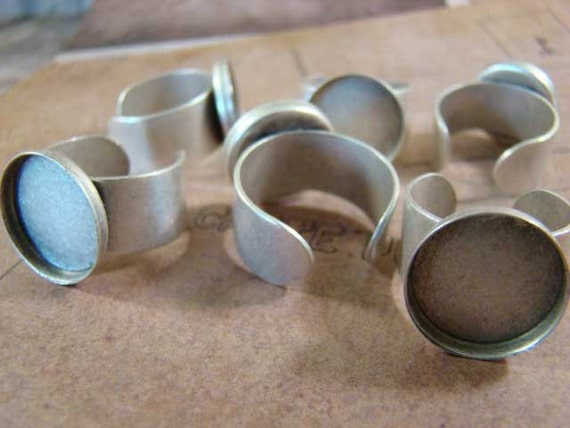 One Dozen (12)  Antiqued Silver 15mm Bezel Cup Adjustable Rings - Perfect for Resin, Typewriter Keys