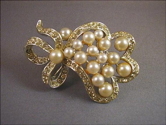 SALE Ribbons of Pearl and Rhinestone Vintage Brooch