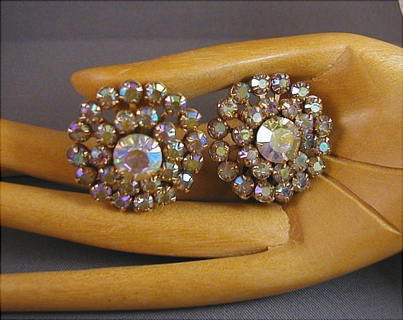 RESERVED for chatool Vintage Weiss Aurora Rhinestone Earrings
