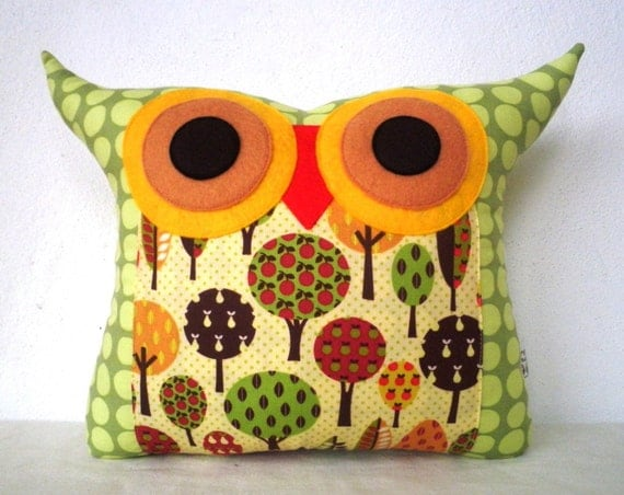 Polyfil Stuffed Apple Tree's Wishes Owl pillow/Ready to ship