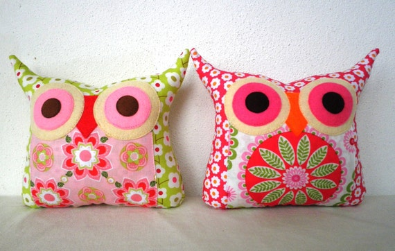 NEW/TWO/Polyfil Stuffed little owl pillows decoration/collection - Ready to ship