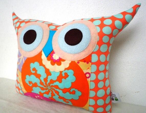 NEW/The sunrise owl pillow