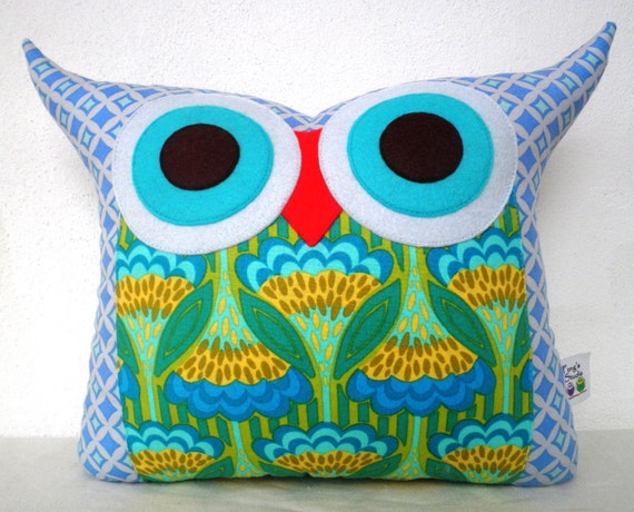 NEW/ /The Lily's Suit owl pillow/Ready to ship