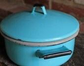 Vintage Aqua Enamel Dutch Oven Pot