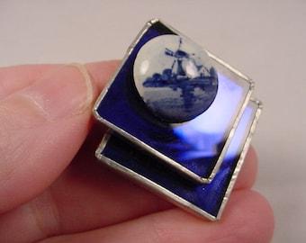 Dutch windmill Metallic glue diamond shaped mirrored glass brooch pin BB-574