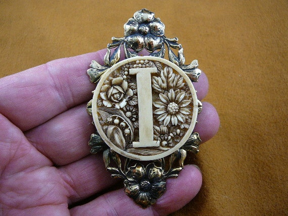 """Letter I """"I"""" initial with daisy roses rose lily of the valley flowers CAMEO pin pendant brass brooch cm157-4"""