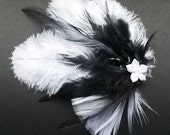 Hair comb with feathers in black and white by ACA