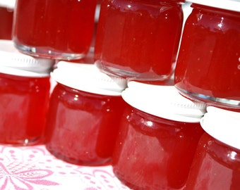 Jam favors, 20 1.5 oz strawberry pineapple jam favors for wedding or baby shower, unique party favor