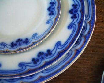 Dinner Plate-  Idris flow blue by Grindley
