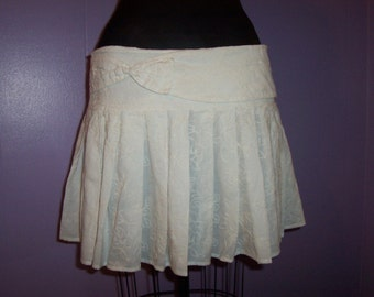 Vintage Girls Women White Hip Hugger Pleated Mini Skirt with Bow Size 7 8