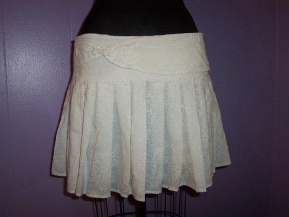 Vintage Girls Women White Hip Hugger Pleated Mini Skirt with Bow Size 7 8