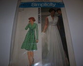 Simplicity 6672 Bust 40 Designer Fashion 1974 Knee or Maxi Dress Pattern