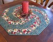 Green Swirling Christmas Quilt Table Topper