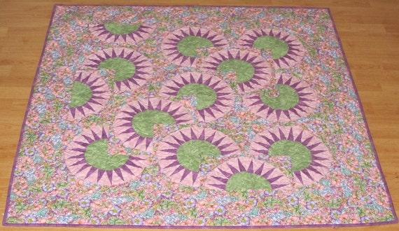 Floral New York Beauty Lap Quilt