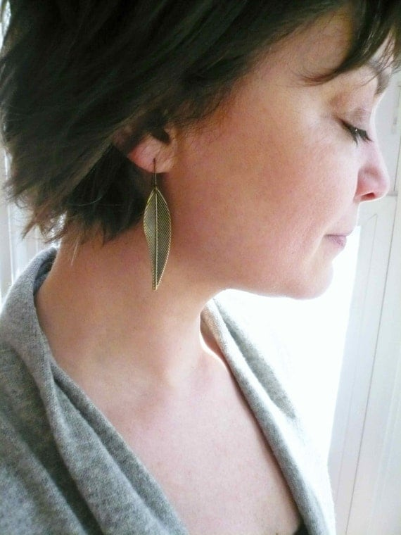 Feather earrings Bronze feathers Bronze earrings Leaf earrings Long earrings Bohemian Olive earrings Lightweight earrings Antiqued earrings