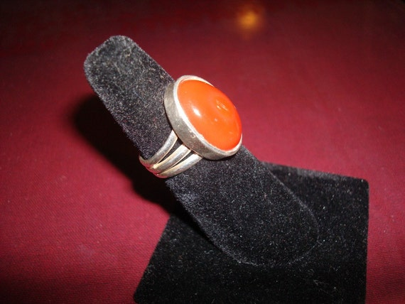 Vintage Sterling Silver and Carnelian Oval Cabachon Ring Size 6