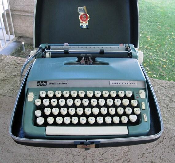 Smith Corona Typewriter Vintage 15