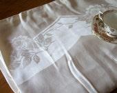 Vintage Table Cloth Elegant
