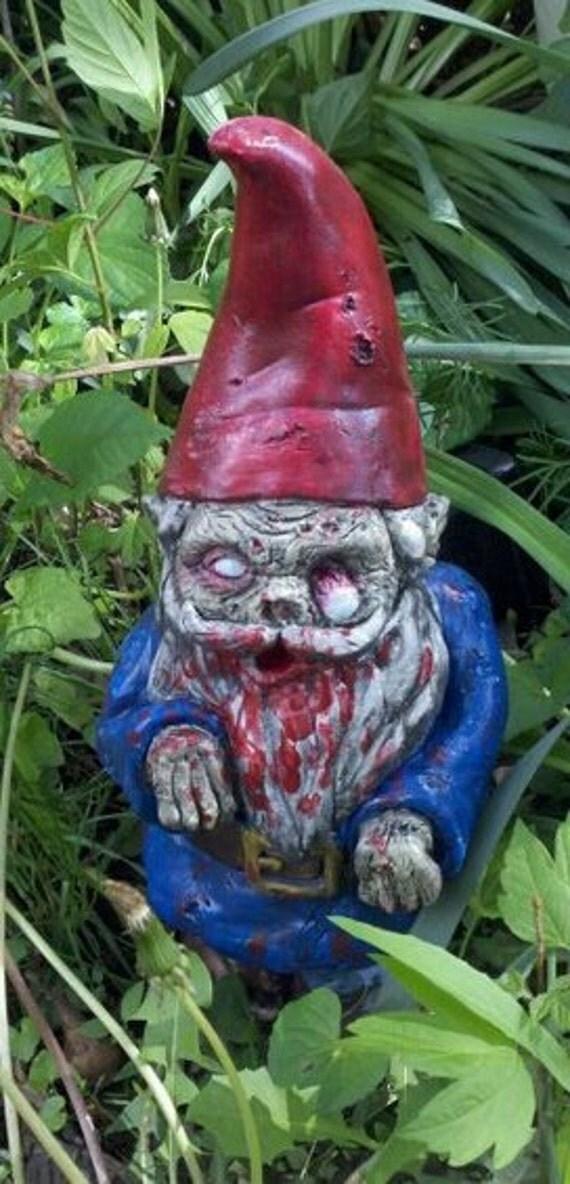 Gnome In Garden: Zombie Garden Gnome Walking Dead