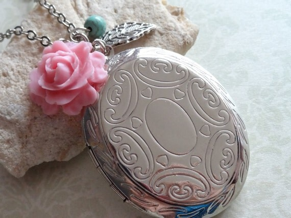 Sweet Memories. Large Oval Locket with Rose and Leaf Charms Necklace. Silver Tone.