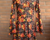 Vintage late 60s early 70s floral dress black yellow orange red size med