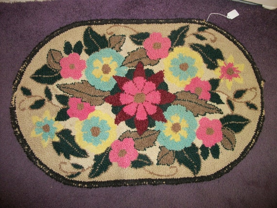 SALE - Gorgeous Vintage Bright Floral Handhooked Rug from Rustysecrets