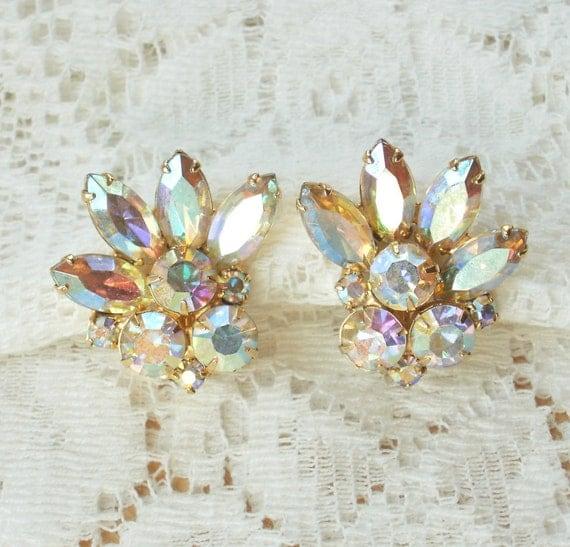 Gorgeous Vintage Aurora Borealis Rhinestone Earrings