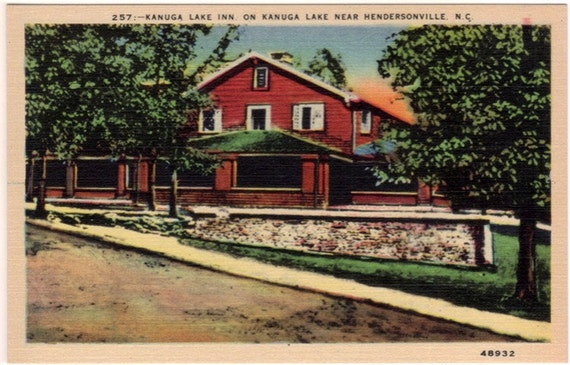 Vintage North Carolina Postcard - Lake Kanuga Inn on Lake Kanuga (Unused)
