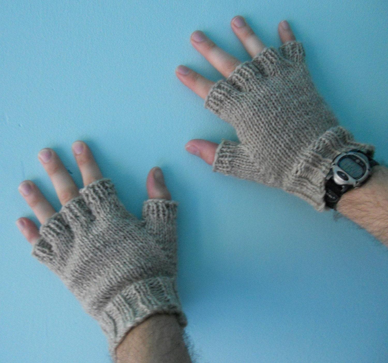Mens gloves knitting pattern -  Zoom