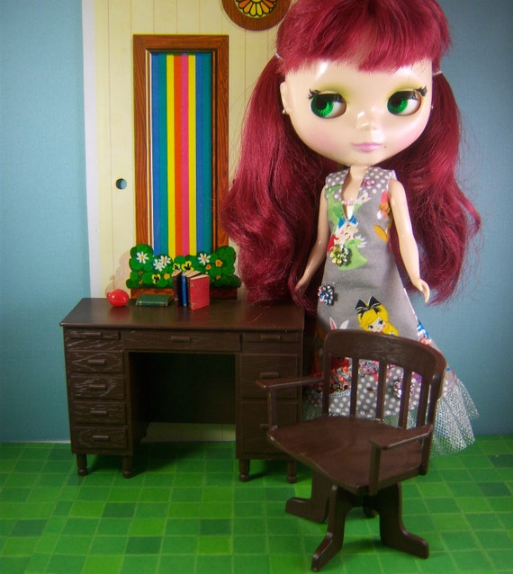 Vintage 1976 Jody Country Girl Doll Schoolhouse Furniture Teachers Desk And Chair Fits Blythe and Monster High