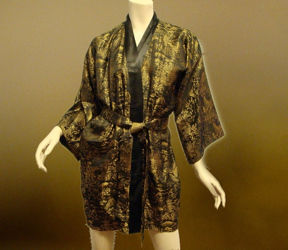 Lux Kimono Robe in Black and Gold