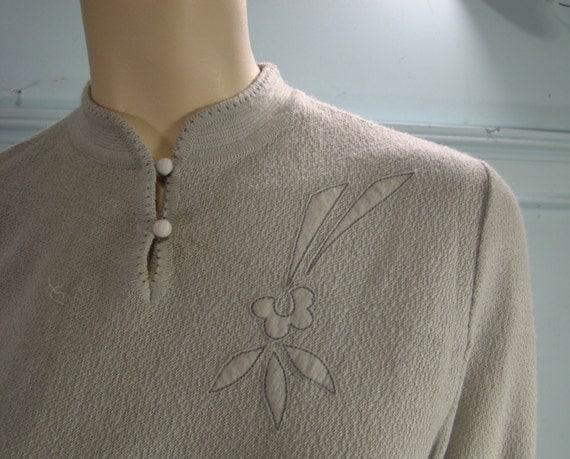 Pearl Gray Sweater- Mandarin Collar- 1970's- Floral Applique