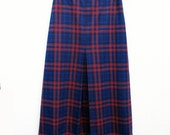 60s Skirt Plaid size 10 27 inch waist Secretarial Sixties Latiffa Red Blue Black Poly