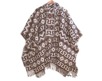 Boho Alpaca Poncho Geometric, Womans Vintage Peru Poncho, Alpaca Poncho Shawl, Geometric Browns Fringe Outerwear one size fits All