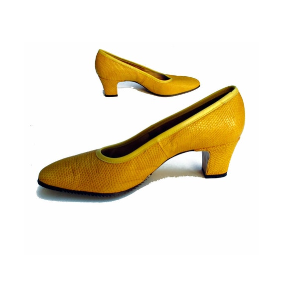 60s Reptile Pumps Chunky Heels Mustard S.R.O. 7 M