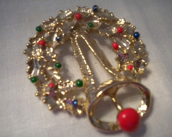 SALE Vintage Christmas Wreath and Bell Pin