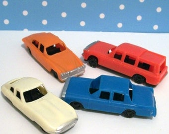 4 Retro Mid Century Cars Cupcake Toppers