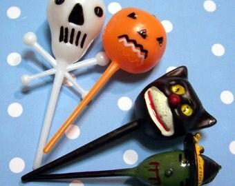 12 Retro Halloween Cupcake Picks