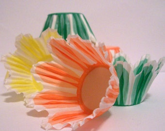 Mini Tulip Baking Cups with Scallop Edges- Choose Set of 50 or 100