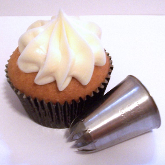 Super Large Closed Star Pastry Tip For Cupcake Decorating