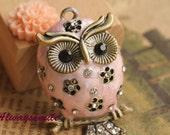 1pcs Vintage Bronze Color Owl Pendant Lovely Pink owl Charm