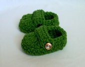 READY TO SHIP 6 to 9 Months Baby Loafer Booties, crocheted, green