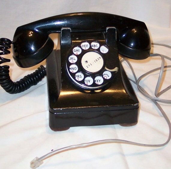 Black Rotary Dial Telephone From The 1940s 1950s