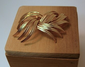 Abstract Marvella Brooch Golden Ribbons-SALE