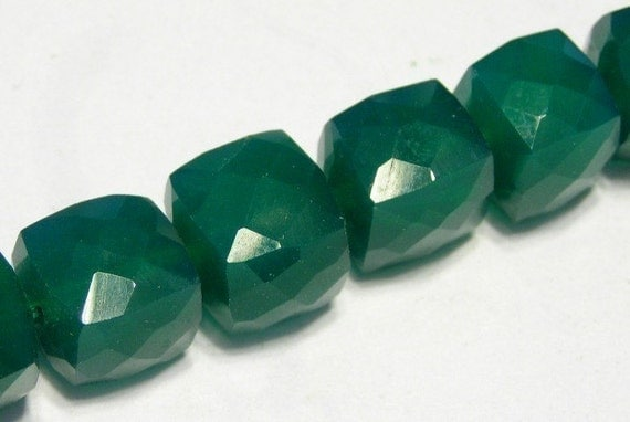 Green Onyx faceted cubes 4 pieces