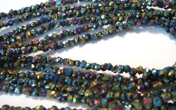 Druzy titanium coated small size nugget beads